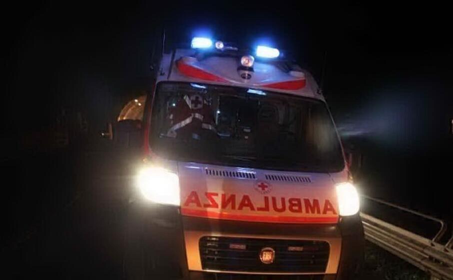 un ambulanza (archivio l unione sarda)