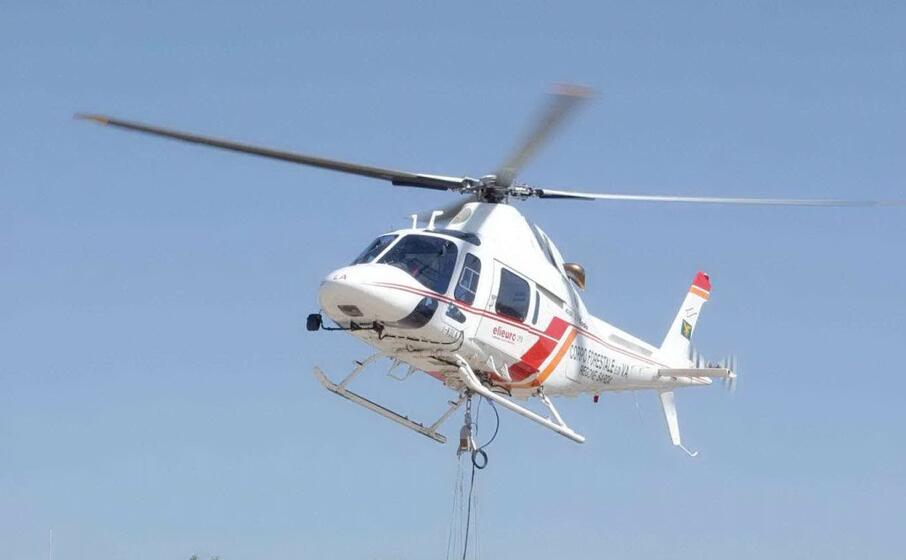 un elicottero (archivio l unione sarda)