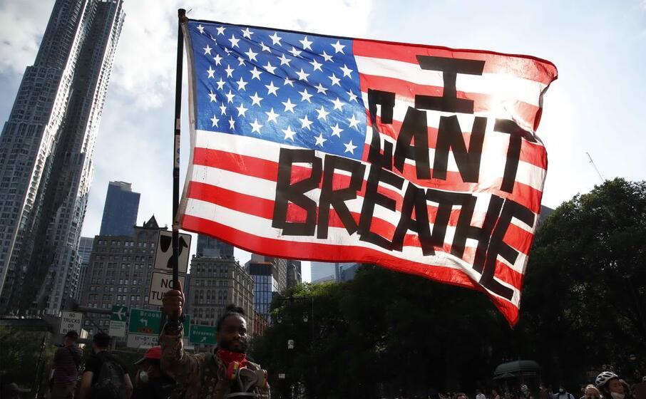 i can t breathe la frase pronunciata da george floyd che diventata lo slogan delle proteste in tutto il mondo (ansa szenes)