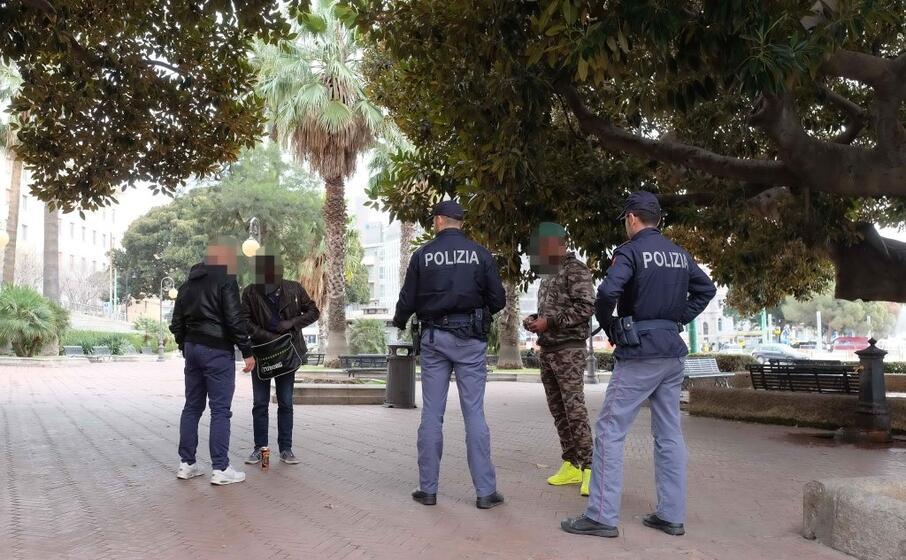 controlli della polizia (archivio l unione sarda)