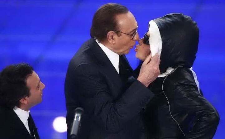 il bacio con loredana bert