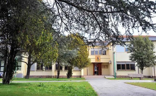 il municipio di lunamatrona (foto pintori)