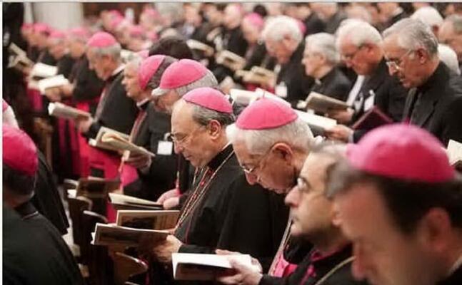 vescovi (archivio l unione sarda)