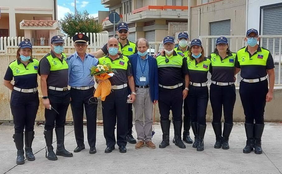 giancarlo cardia con il sindaco e i colleghi (foto andrea serreli)