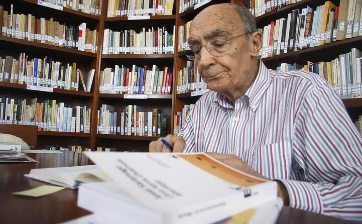 nel 1998 ha vinto il premio nobel per la letteratura