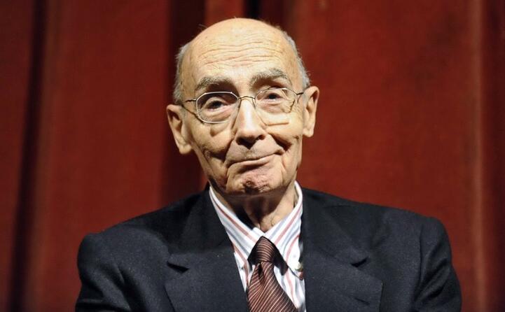 portoghese stato scrittore poeta drammaturgo giornalista e critico letterario
