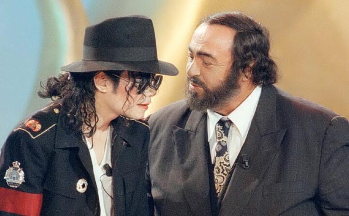 con luciano pavarotti nel 1997 in occasione della cerimonia per i telegatti