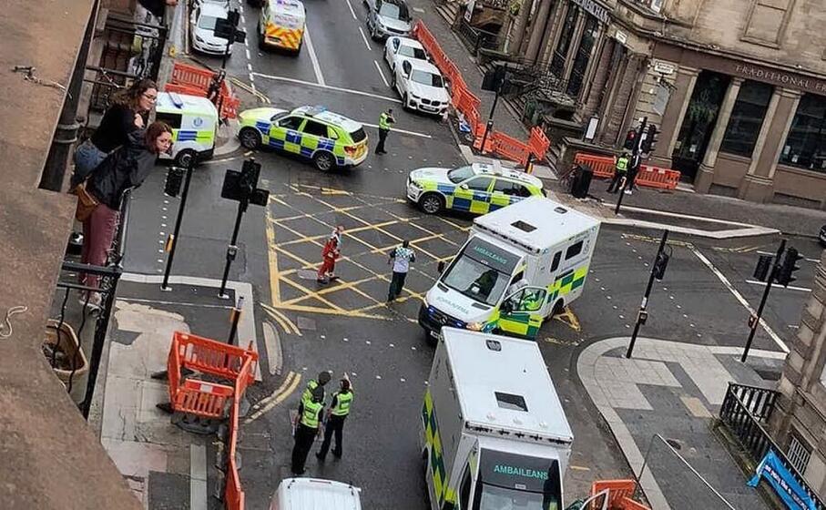 Diverse persone accoltellate in centro a Glasgow, l'autore dell'aggressione ucciso dalla polizia