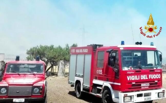 le squadre del 115 (foto vigili del fuoco)