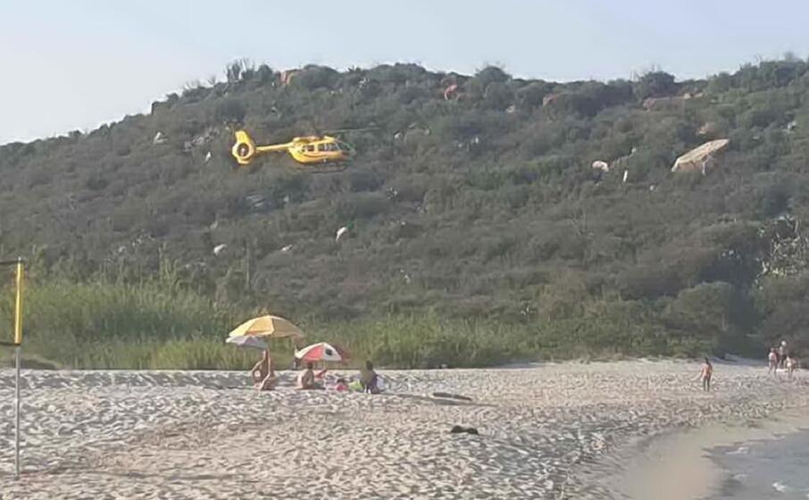 l elisoccorso sulla spiaggia di cea (foto secci)