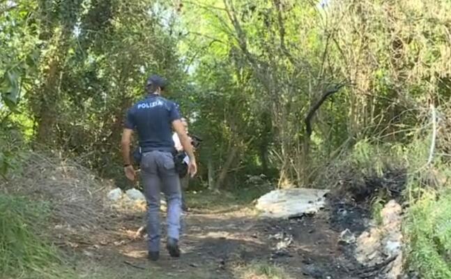 la polizia sul posto (fermo immagine da video)