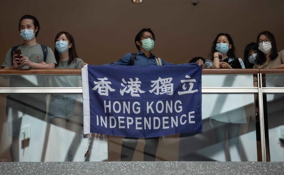 dimostranti pro democrazia a hong kong (ansa)