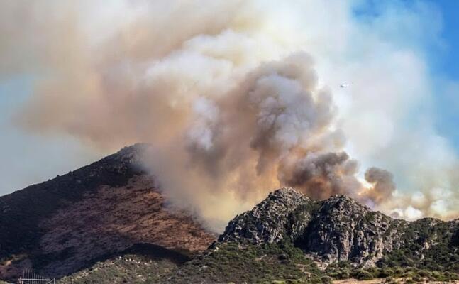 l incendio a carbonia (foto instagram andrea di pasquale)