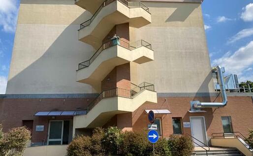 L'esterno del reparto Covid all'ospedale Sacco (foto L'Unione Sarda - D'Errico)