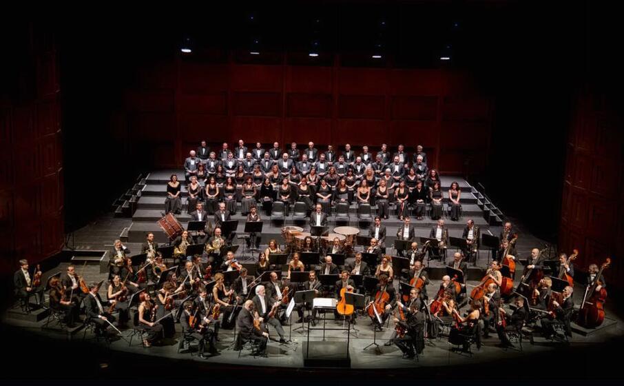 orchestra e coro (foto priamo tolu)