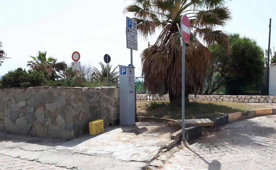 un parcometro al poetto (l unione sarda daga)