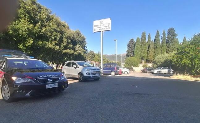 i carabinieri sul luogo dell incidente (foto l unione sarda pintori)
