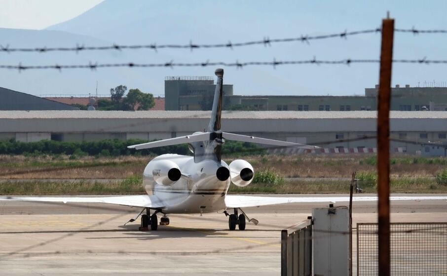 il jet privato a elmas (l unione sarda)