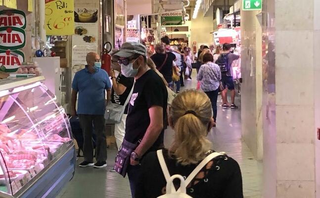 il mercato di san benedetto (foto m madeddu)