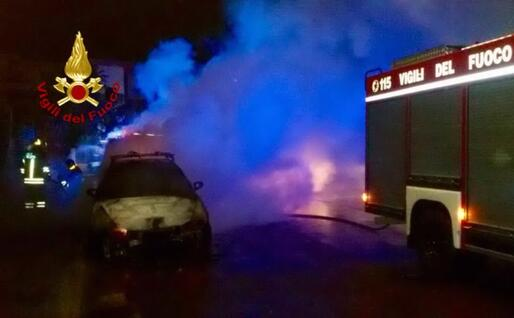 L'intervento dei pompieri (foto vigili del fuoco di Cagliari)