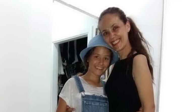 la bambina con la mamma federica fois