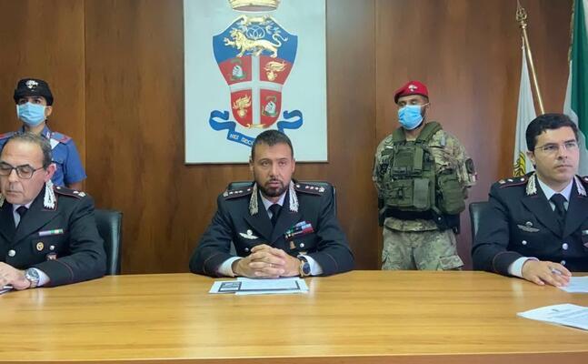 la conferenza stampa dei carabinieri a sassari (l unione sarda gloria calvi)