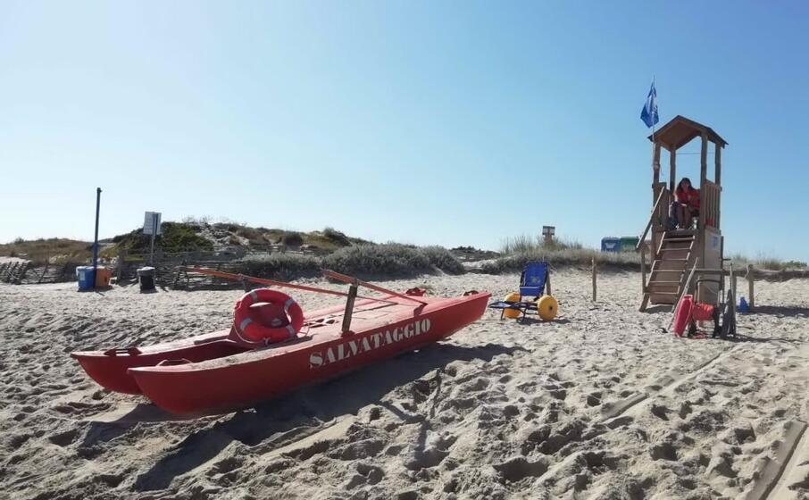 una torretta di sorveglianza del litorale di sorso (foto amministrazione)