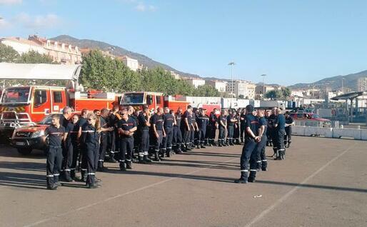 L'arrivo dei pompieri ad Ajaccio