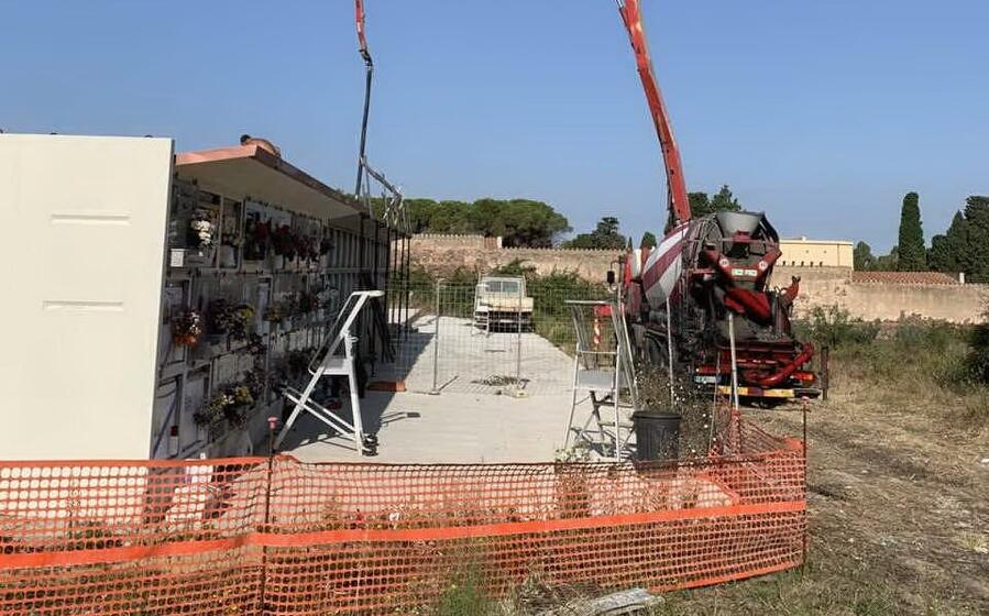 la costruzione dei loculi (l unione sarda scano)