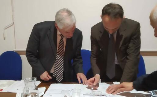 La firma della convenzione (foto L'Unione Sarda - Virdis)