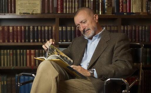 Lo scrittore Arturo Perèz-Reverte (Foto capitanalatriste.com)