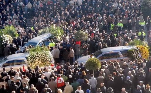 I funerali delle vittime (Archivio L'Unione Sarda)