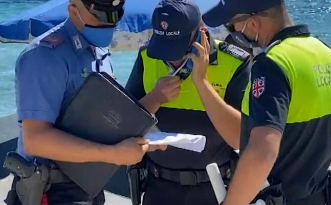 le forze dell ordine in spiaggia (immagine da videolina)