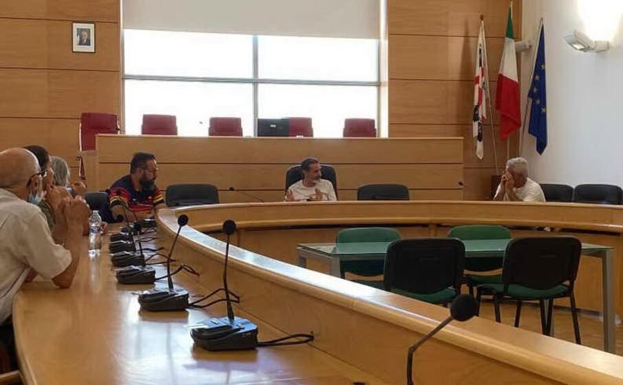 l incontro tra residenti e amministrazione (l unione sarda pala)