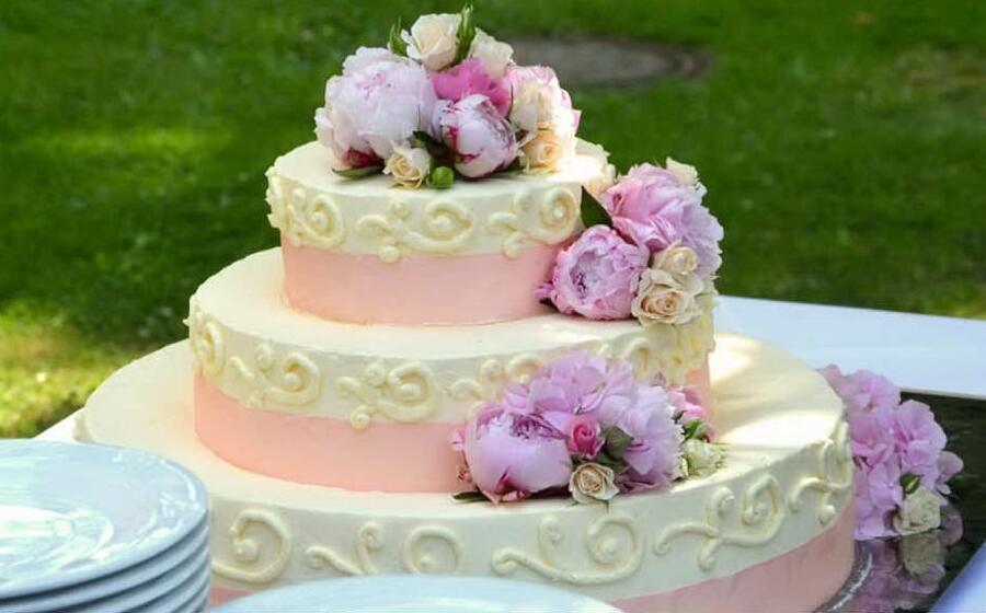 torta nuziale (foto pxhere)