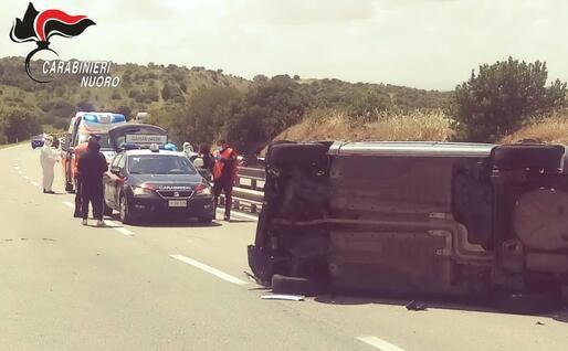 Uno dei furgoni assaltati (Foto carabinieri)