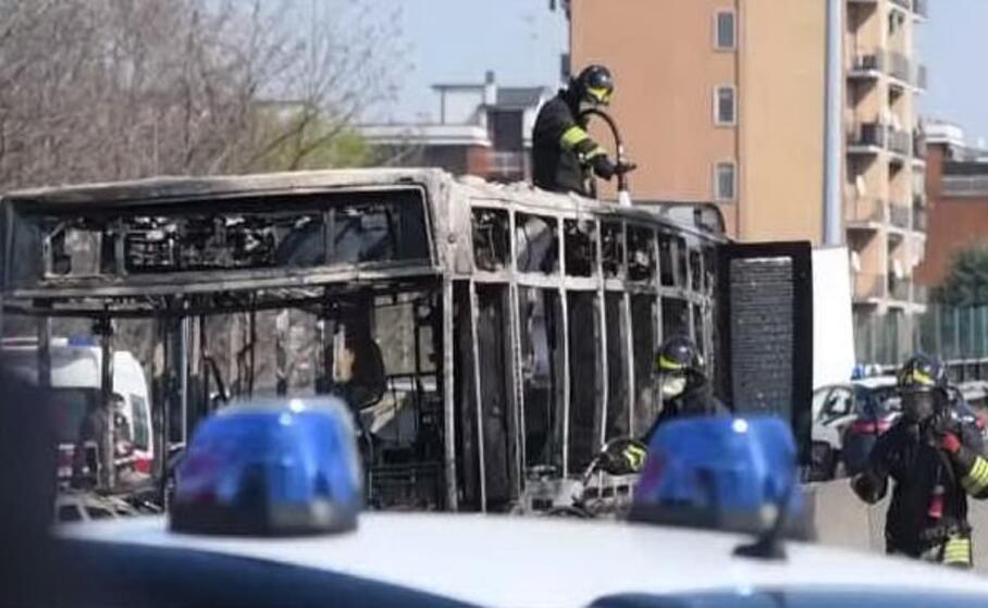 le terribili immagini dopo l incidente (foto da frame video ansa)