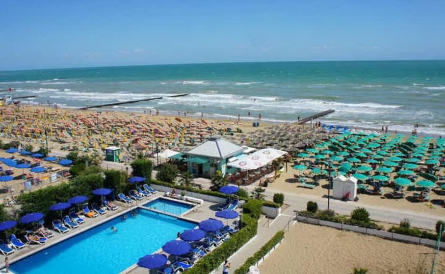 la spiaggia di jesolo (foto wikimedia)