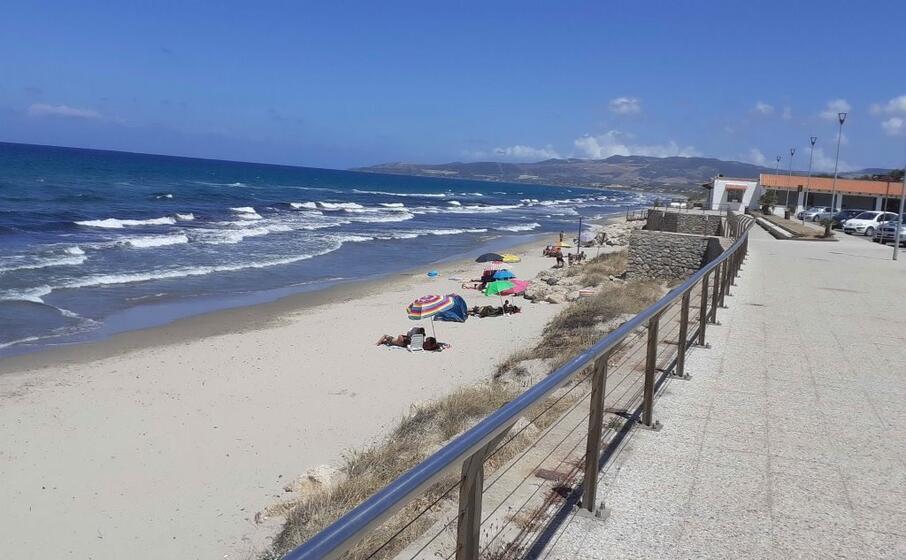 una veduta della spiaggia marina di sorso (foto tellini)