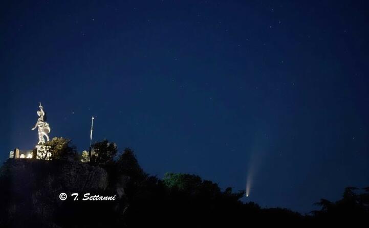 Ecco la Cometa Neowise: lo straordinario scatto sull'isola di Licosa