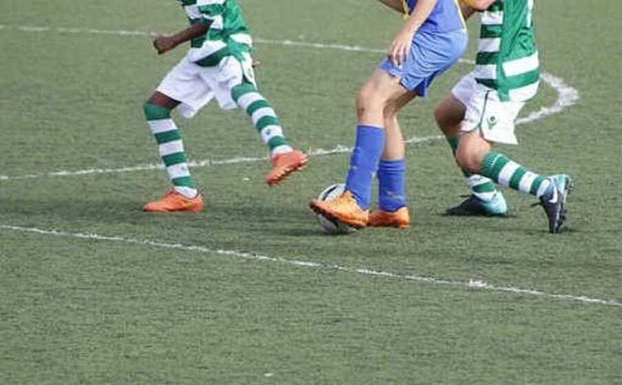 Coronavirus, follia a Pamplona: tentano una partita di calcio sani-infetti
