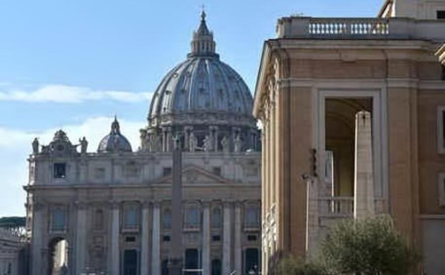 Vaticano: i laici potranno celebrare in via eccezionale nozze e funerali