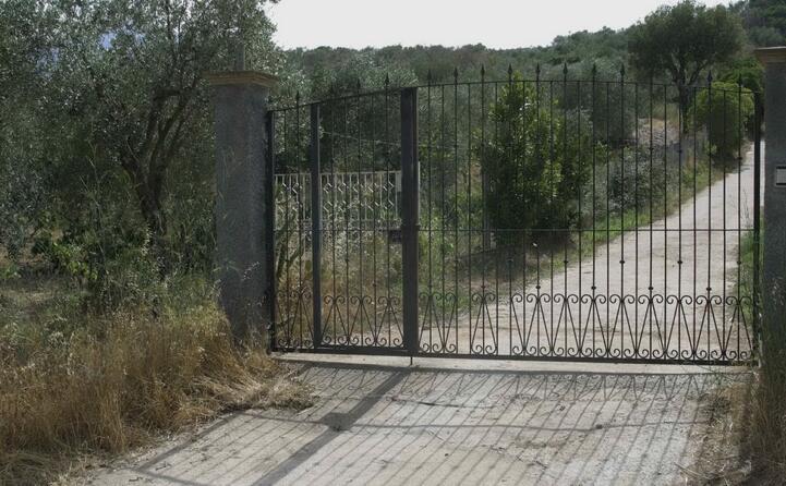 accaddeoggi 22 luglio 2002 amelia piras uccisa a villagrande davanti al cancello di casa
