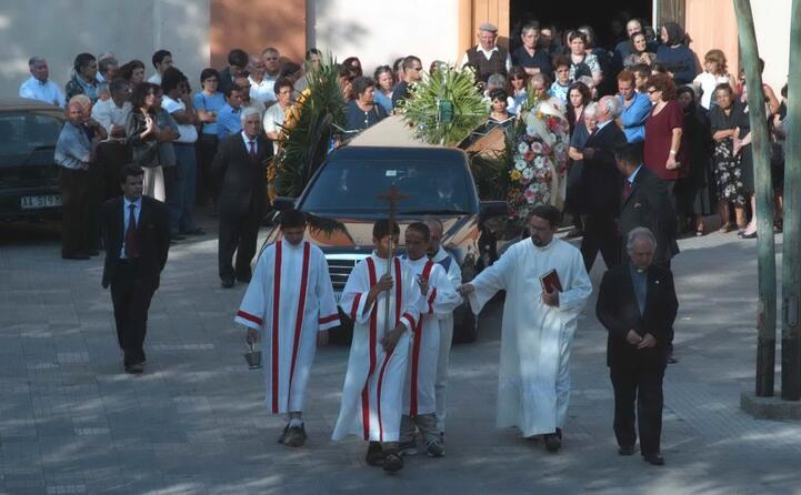 il funerale (tutte le foto sono archivio l unione sarda)