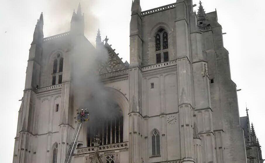 Incendio alla cattedrale, confessa l'uomo fermato