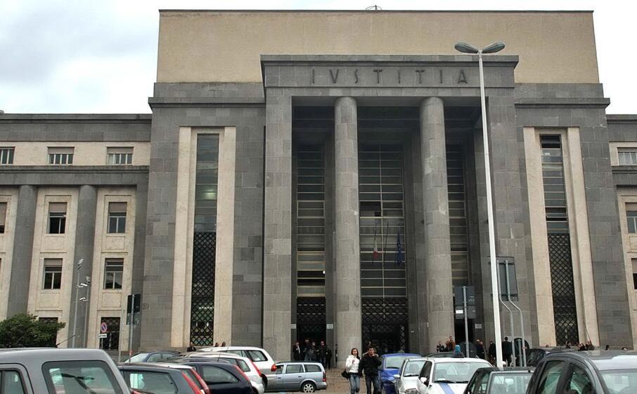 il tribunale (l unione sarda)