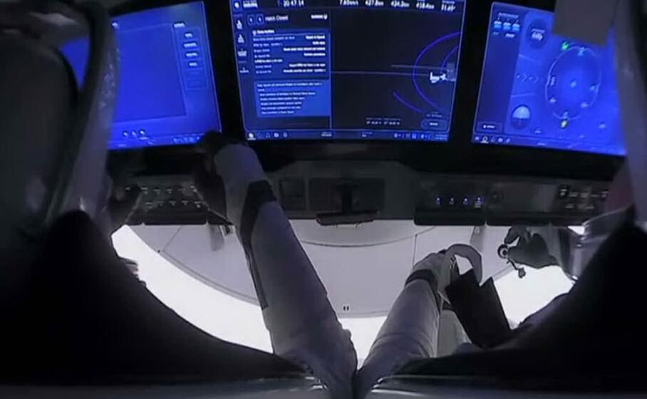 La capsula della SpaceX torna sulla Terra