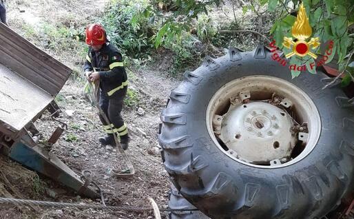 L'intervento (foto Vigili del fuoco)
