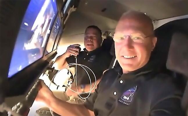 gli astronauti della crew dragon