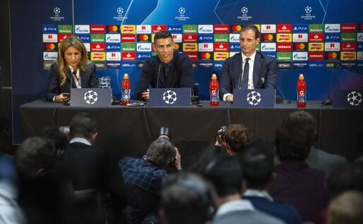 La conferenza stampa (Ansa)